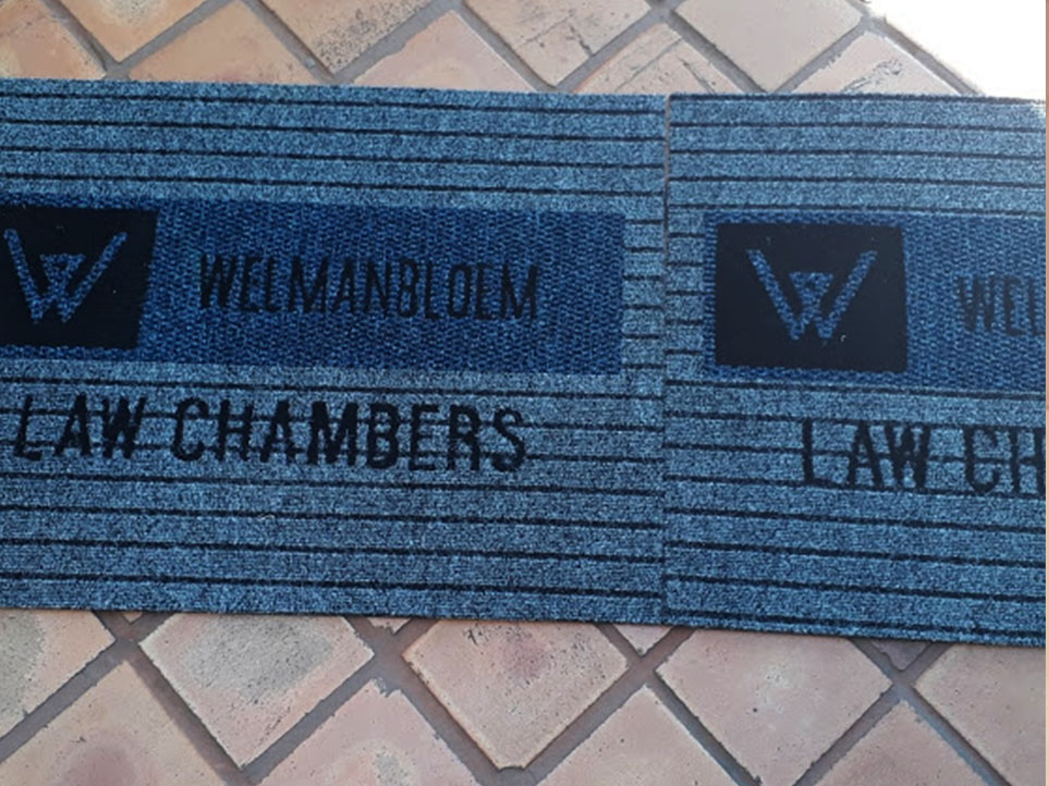 welman bloem log mat. material use is boardwalk grey carpet.