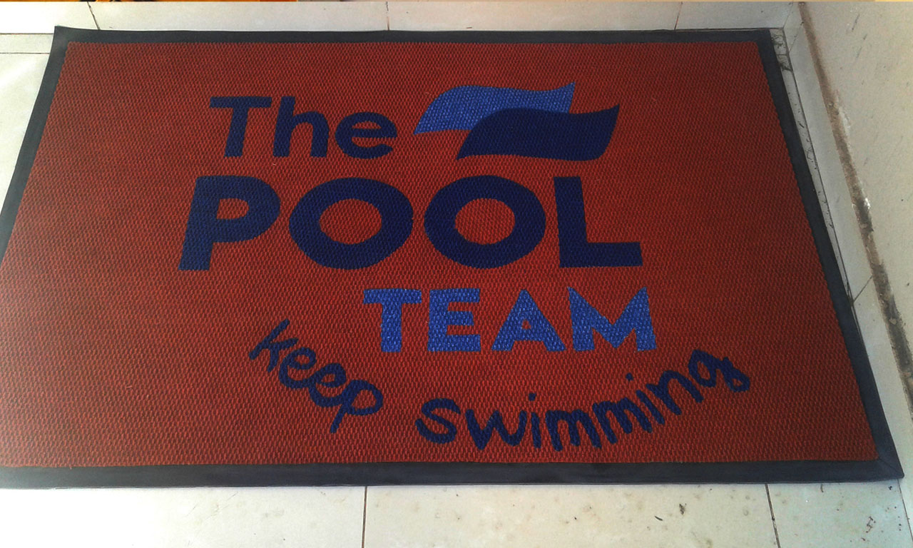the poool team logo mat