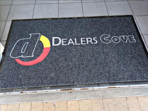 dealers cove logo mat